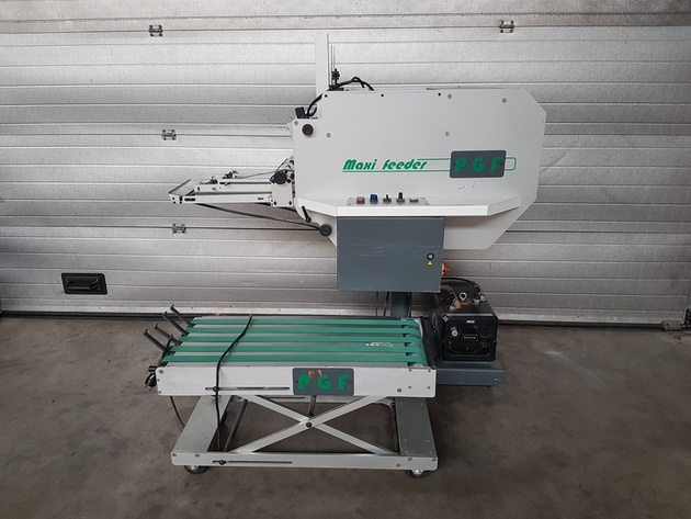 Ref. A004  PGF MAXI FEEDER (year 2000)